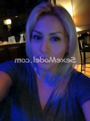 Jyoti escort girl massage érotique à Milhaud