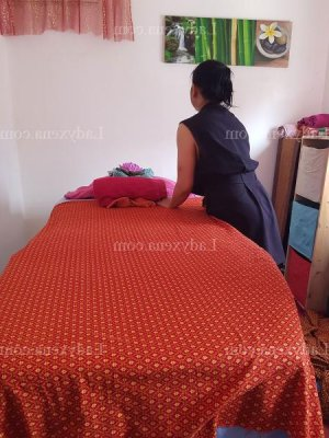 Brithney massage lovesita